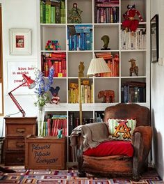 Ten spectacular and easy ways to arrange your books - Books - Stylist Magazine