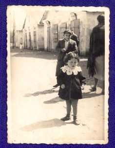 Michow, Poland, The daughter of Chaim Fledenhadler.  She perished in the Holocaust.