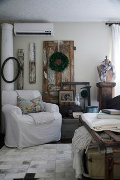 My Houzz: Meaghan and Trevor: Welland, ON - Eclectic - Living Room - Montreal - Esther Hershcovich