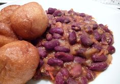Puff-Puff and Beans - one of my favorite breakfast back home especially when it comes with yellow pap. Oh, Etoug-Ebe!