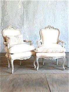 Sedersi con stile; il fascino della semplicità.