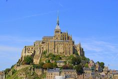 Another striking European castle, Mont Saint-Michel near Normandy never fails to impress. It is actually considered to be a medieval wonder, because of the fact that it is built on a rocky peak. Mont Saint-Michel was originally an abbey and served as a popular destination for pilgrims. Today, it is one of the most popular tourist attractions in France.