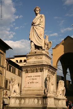 Piazza Santa Croce, Florence  Dante Statue
