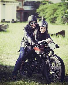 caferacerbrasil: ☕ #caferacer Brasil Curta ➡ facebook.com/caferacerbr Siga ➡ instagram.com/caferacer.brasil Siga ➡ tumblr.com/blog/caferacerbrasil#moto #vintage #oldschool #motorcycle #retro #bobber #tracker #ratbike #custom #speed #Scrambler #cafeculture #bike #honda #yamaha #bmw #triumph#ducati #aprilia #kawasaki #suzuki #harley #velocidade #motorcycles #caferacer #motos   caferacerpasion.com