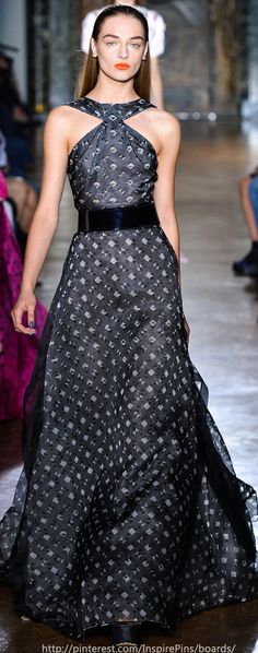 John Galliano Spring 2014 love the pattern Haute Couture Dresses, Couture Fashion, Runway Fashion, Womens Fashion, Beautiful Long Dresses, Beautiful Outfits, Glam Dresses, Dresses 2013, Elie Saab