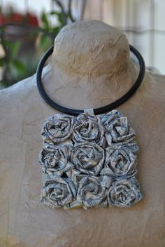 Caoutchouc necklace medallion paper rose magnetic fasteningby comivi on Etsy, Eur 26.-