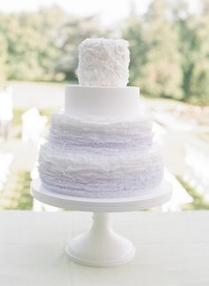 Soft purple ombre cake from #maggieaustincake.  Photo: Abby Jiu