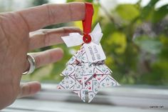 Are you making your Christmas ornaments this year? Carole has shared this wonderful origami tree ornament tutorial on her blo. Origami Christmas Ornament, Origami Ornaments, Paper Ornaments, Christmas Paper, Christmas Tree Ornaments, Christmas Crafts, Xmas Tree, Origami Tree, Origami Cards