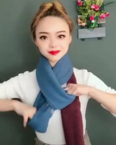 Cmo ponerse un chal Ways To Tie Scarves, Ways To Wear A Scarf, How To Wear Scarves, Diy Fashion, Ideias Fashion, Fashion Dresses, Fashion Tips, Funky Fashion, Scarf Tying Tutorial