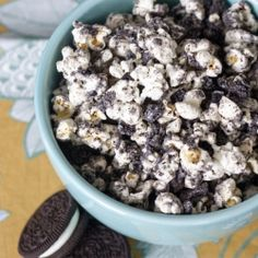 Cookies and Cream Popcorn that is so easy to make and even more addicting