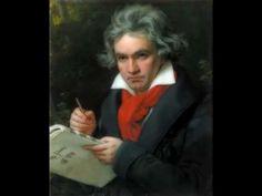Ludwig van Beethoven - Symphony No. 9 (Full)En 1824, por último, Beethoven se consagra como el gran anunciador de un nuevo lenguaje con su Novena Sinfonía «Coral» (Op. 125). Su orquestación (dos trompas adicionales, triángulo, platillos, coro y solistas vocales) y duración (setenta minutos) es superior a la de la Eroica
