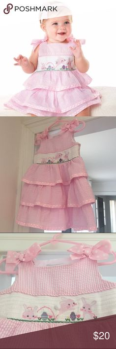 Mud Pie 2T Smocked Pink Seersucker Bunny Dress EUC Precious 2T Bunny Smocked Pink Ruffled Seersucker Dress, Excellent Used Condition, So adorable for Easter, spring, and summer!!! Mud Pie Dresses