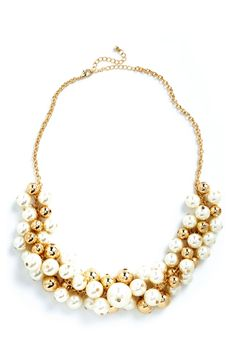 Break Out the Baubly Necklace with classic gold and pearl accents! #perfectsimpleaccessory