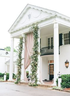 This gorgeous luxe wedding in Birmingham is redefining Southern Charm with this luxe wedding filled with lush florals and elegant wedding drape. Alabama Wedding Venues, Luxury Wedding Venues, Luxe Wedding, Wedding Vendors, Spring Wedding, Wedding Draping, Nautical Wedding, Elegant Wedding, Wedding Favors