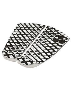 Features Dane Reynolds signature pad Colour: Black White Medium kick - 28mm Vertical split Size + Fit Guide 2 piece tail pad One size