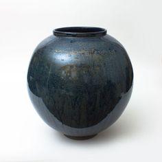 Contemporary Ceramics Centre - Pyrite Jar 18 (2016) - Adam Buick Moon Jar, Ceramic Jars, Beach Stones, Wood Lathe, Contemporary Ceramics, Pottery Ideas, Buick, Stoneware, Glaze