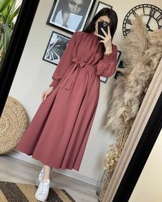 Stylish Dresses For Girls, Stylish Dress Designs, Designs For Dresses, Stylish Outfits, Modest Fashion Hijab, Frock Fashion, Muslim Fashion, Fashion Dresses, Modesty Fashion