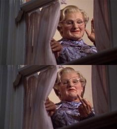 RIP Robin WIlliams - Mrs Doubtfire, one of my favourite moment of the movie! Miss Doubtfire, Mrs Doubtfire Quotes, Madame Doubtfire, Great Films, Good Movies, Movies Showing, Movies And Tv Shows, Movie Reels, Movies