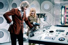 jo grant Doctor Who – 10 Best Moments Of The Third Doctor A Ham-Fisted Bun Vendor Turned Ally Aliens, Susan Penhaligon, Dave Prowse, George Lee, Donald Pleasence, Doctor Who Episodes, Jon Pertwee, Doctor Who 10, Classic Doctor Who