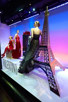 Awesome window display featuring the Eiffel tower at Harrods!