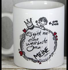 **Geschenkideen für weltbeste Oma** mit persönlichem Oma Namenszug von _personalisierte Tassen und mehr by My-SweetHeart_ **Geschenkideen für weltbeste Oma:** Süße Keramiktasse für die...