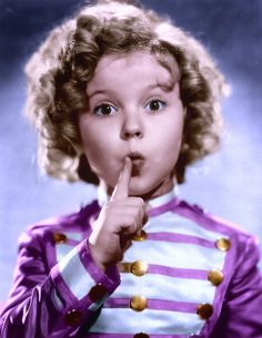 Shirley Temple (Poor little Rich Girl) Child Actresses, Child Actors, Temple Movie, Shirly Temple, Home Temple, Temple Lds, Lotus Temple, Temple Pictures, Marilyn Monroe Photos