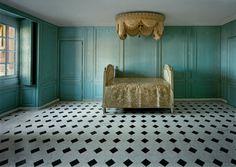 Robert Polidori's photography never ceases to inspire & educate me - . Salle de Bain de Marie-Antoinette, Versailles, © Robert Polidori/Courtesy Edwynn Houk Gallery, New York.