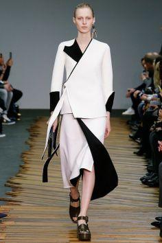 Foto CHW201415 - Céline Herfst/Winter 2014-15 (16) - Shows - Fashion - VOGUE Nederland