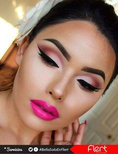 #CatEyes con un lipstick en tono rosa fucsia