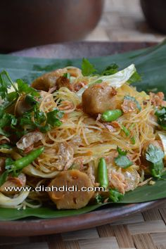 Diah Didi's Kitchen: Tips Mengolah Bihun Jagung Kitchen Recipes, Cooking Recipes, Kitchen Tips, Pork Recipes, Asian Recipes, Mie Noodles, Prawn Noodle Recipes, Diah Didi Kitchen, Indonesian Cuisine