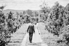 Photo by Dayfotografi.se  Wedding, Weddingphotos, Wedding in Sweden, Weddingdress, Bröllopsfotografi, Bröllopsfotograf, Bröllop, Bröllopsklänning, Dayfotografi, Vista kulle fruktodling, vista kulle, Jönköping,   Blogg.Dayfotografi.se