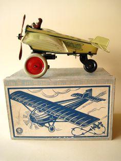 Tin Aeroplane & Aviator / Avioneta e Aviador de Lata