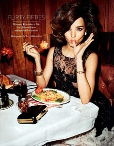 FLIRTY FIFTIES Miranda Kerr takes a bite out of Brooklyn in unforgettable daywear. Photographed by Terry Richardson. Read more: Miranda Kerr Brooklyn Photo shoot - Terry Richardson's Miranda Kerr Photo Shoot - Harper's BAZAAR Miranda Kerr, Terry Richardson, Estilo Jackie Kennedy, Tory Burch, Photo Vintage, Dolce E Gabbana, Louis Vuitton, My Hairstyle, Hairstyle Ideas