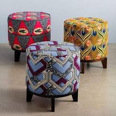 African Prints in your living room – sounds too much?  Jolis poufs avec tissus africains