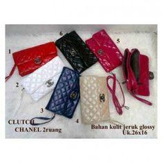 Tersedia berbagai model dompet chanel aa2c778d23