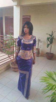 Embroidered Bazin Malian fashion #Malifashion #bazin #malianwomenarebeautiful