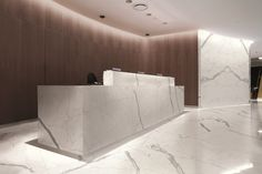 Maxfine Bianco Venato   Large format Porcelain Floor & Wall Tiles  www.tilesupplysolutions.com