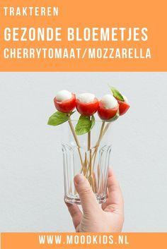 Trakteer je liever op een gezonde traktatie? Deze gezonde bloemetjes van mozzarella, cherrytomaat en basilicum maak je eenvoudig. Ook leuk als hapje! Appetizer Recipes, Appetizers, Childrens Meals, Snacks Für Party, Happy Foods, Party Entertainment, High Tea, Yummy Drinks, Baby Food Recipes