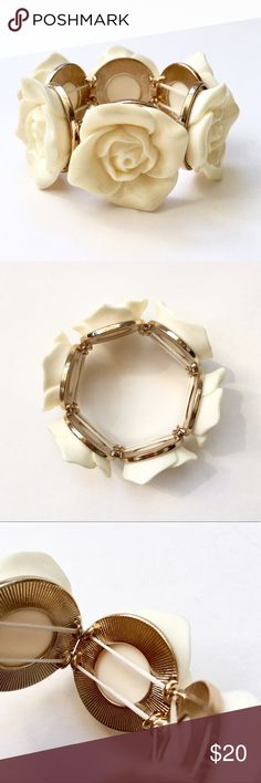Cream Rose Carved Resin Stretch Bracelet❤️ Measurements and specific details to be added soon. This is a used item in very good condition. Jewelry Bracelets