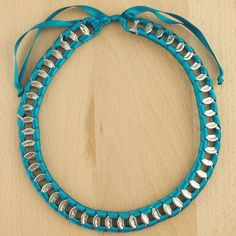 Collier_canettes_recycles_buho_turquoise_latino_fait_mian_01.jpg 1 080 × 1 080 pixels
