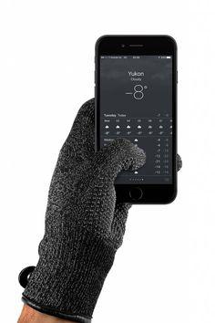 Double-Layered Touchscreen Gloves Black  Description: Veel touchscreen handschoenen beperken de functionaliteit maar totéén of twee vingertoppen. Deze van MUJJO doen dat niet; alle vingertoppen kunnen worden gebruikt zelfs de knokkel en handpalm!De touchscreen gloveszijn gemaakt van hoogwaardig verzilverde nylon vezels gebreid in de stof van de handschoen. Deze vezels maken de handschoenen geleidend en dus touchscreen compatible. Een tweede laag gemaakt van wol fungeert als extra isolatie en…