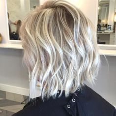 """Textured bob • @habitsalon"""