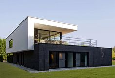 http://qualitybestfence.com/north-salem-fence-company/  House CO by Schellen Architecten