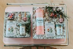 65 Trendy ideas for spring bridal brunch inspiration Bridal Makeup Tips, Disney Bridal Showers, Spring Shower, Bridal Shower Rustic, Bridal Shower Decorations, Bridal Gifts, Orange, Party Gifts, Bridesmaid Gifts