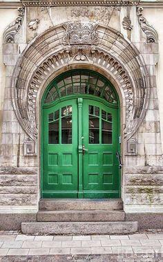 zweiflügelige haustür historisch grün Holz Glas #door #style #old