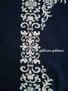 This Pin was discovered by Şük Cross Stitch Borders, Cross Stitch Designs, Cross Stitching, Cross Stitch Embroidery, Hand Embroidery, Cross Stitch Patterns, Creative Embroidery, Embroidery Designs, Arabesque Pattern