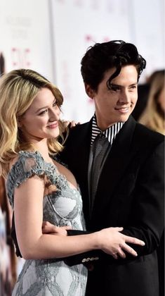 Lili and Cole Riverdale Betty, Bughead Riverdale, Betty Cooper, Camila Mendes Riverdale, Stranger Things, Haley Lu Richardson, Lili Reinhart And Cole Sprouse, Cole Sprouse Jughead, Riverdale Characters