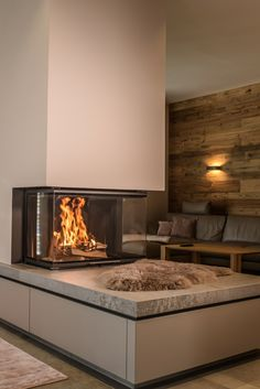 The beauty of the panoramic fireplace of BRUNNER: Here you can also from the couch … – Kamine Bloğ Stove Fireplace, Fireplace Design, Interior Decorating, Interior Design, Small Living, Home Accessories, Sweet Home, New Homes, Room Decor