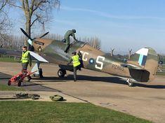 Hawker Hurricane, Desert Camo, War Photography, Drawing For Kids, Ww2, World War, Air Force, Fighter Jets, Aviation