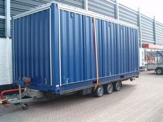 Evenementencontainer Troost Catering - Jozua Aanhangwagens Shipping Container Restaurant, Shipping Containers, Food Containers, Container Shop, Container Homes, Container Buildings, Bar Food, Beach Bars, Food Trucks